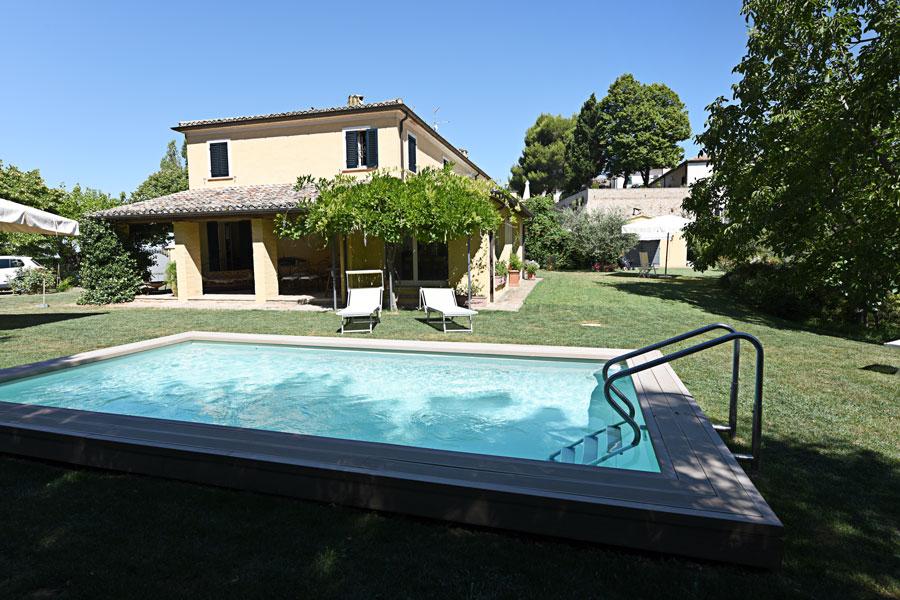 casa vacanza pesaro casa ezelina piscina